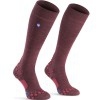ÚLTIMAS TALLAS - Calcetines Vida Diaria Compressport Care Socks - Color Granate (Talla L)